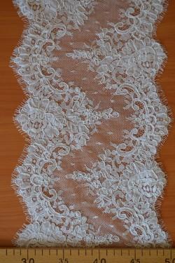 lace trim Nadezhda